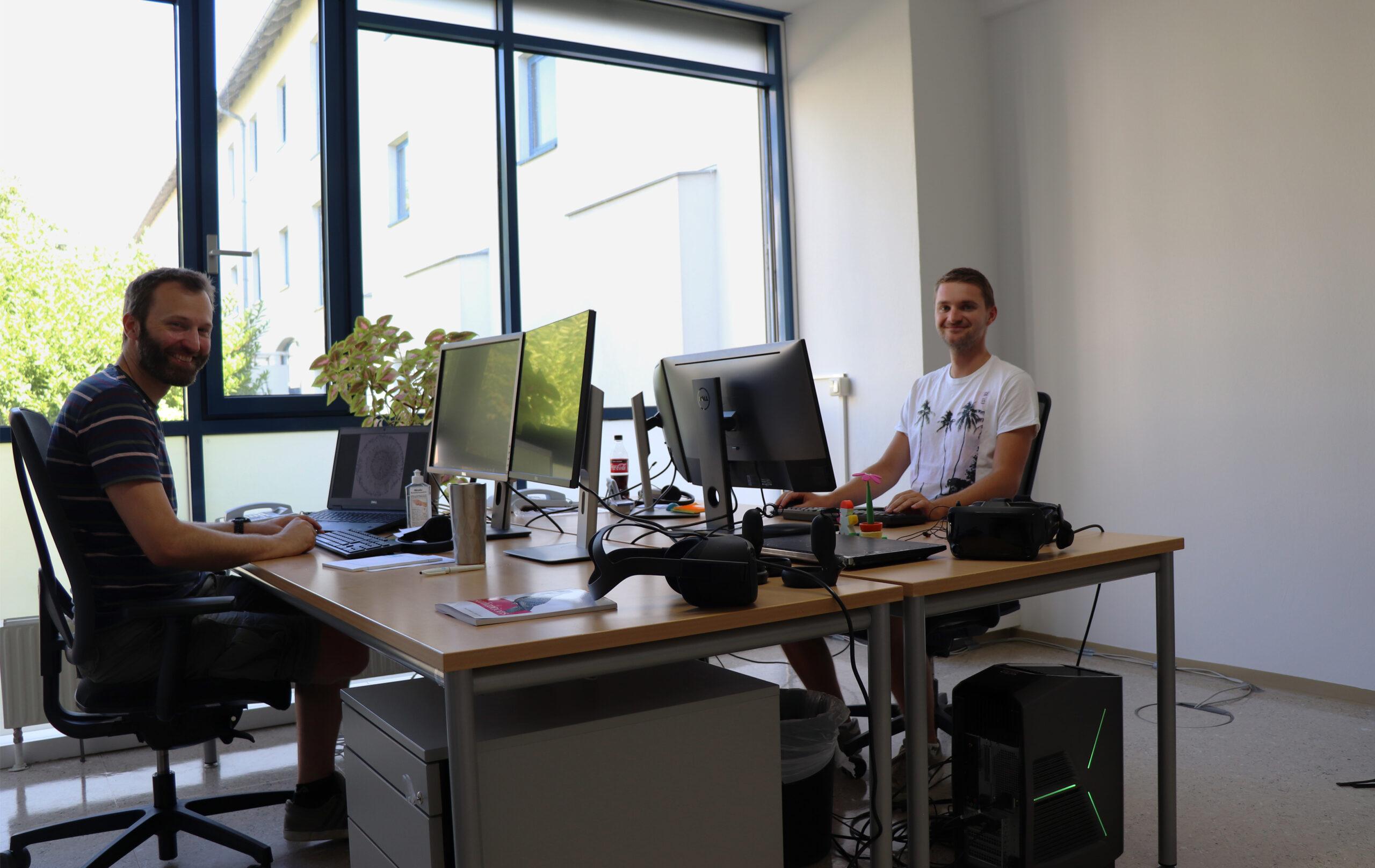 Daniel Schwajda und Fabian Pointecker im neuen Büro